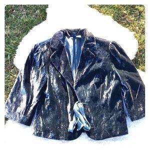 Studio y short Velvet like jacket size 6 Darling
